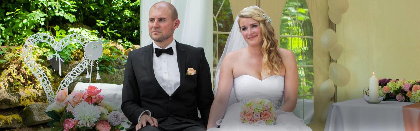 Gefühlvolle Hochzeitsfeier in Burg Wildenau in Plößberg